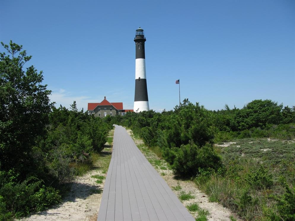 Ten of the most haunted places throughout new york state for What state has the most lighthouses